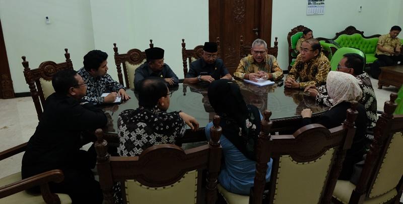 BPIW 'Gandeng' 6 Kepala Daerah dan Komisi V DPR RI  Bahas Selingkar Wilis