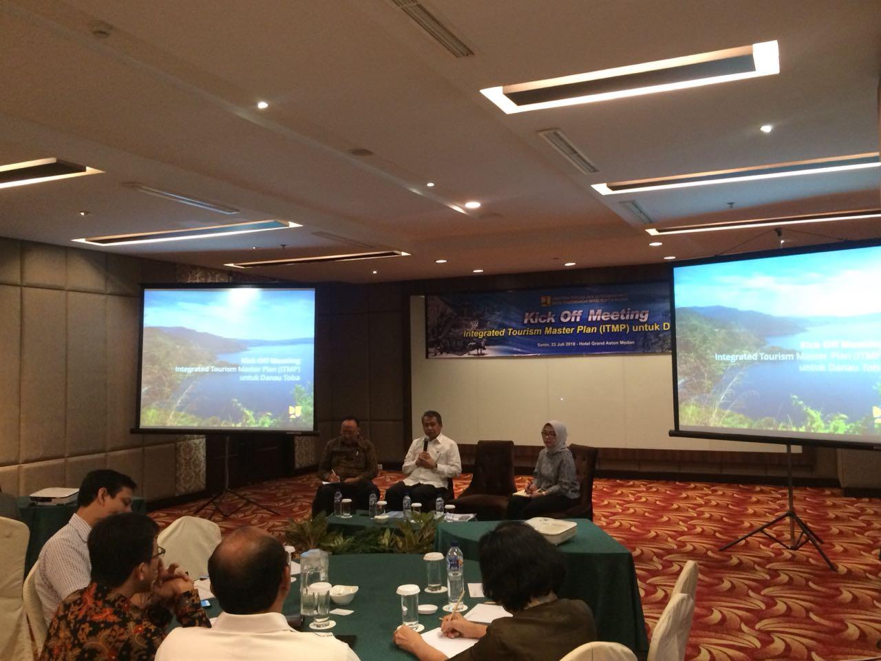 Kegiatan Kick Off Meeting ITMP for Lake Toba dipimpin oleh Bapak Kuswardono, Kepala Pusat Pengembangan Kawasan Strategis